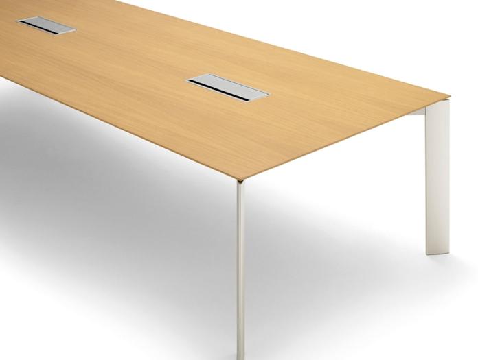 Andreu World Extra Table Oak Cm Detail
