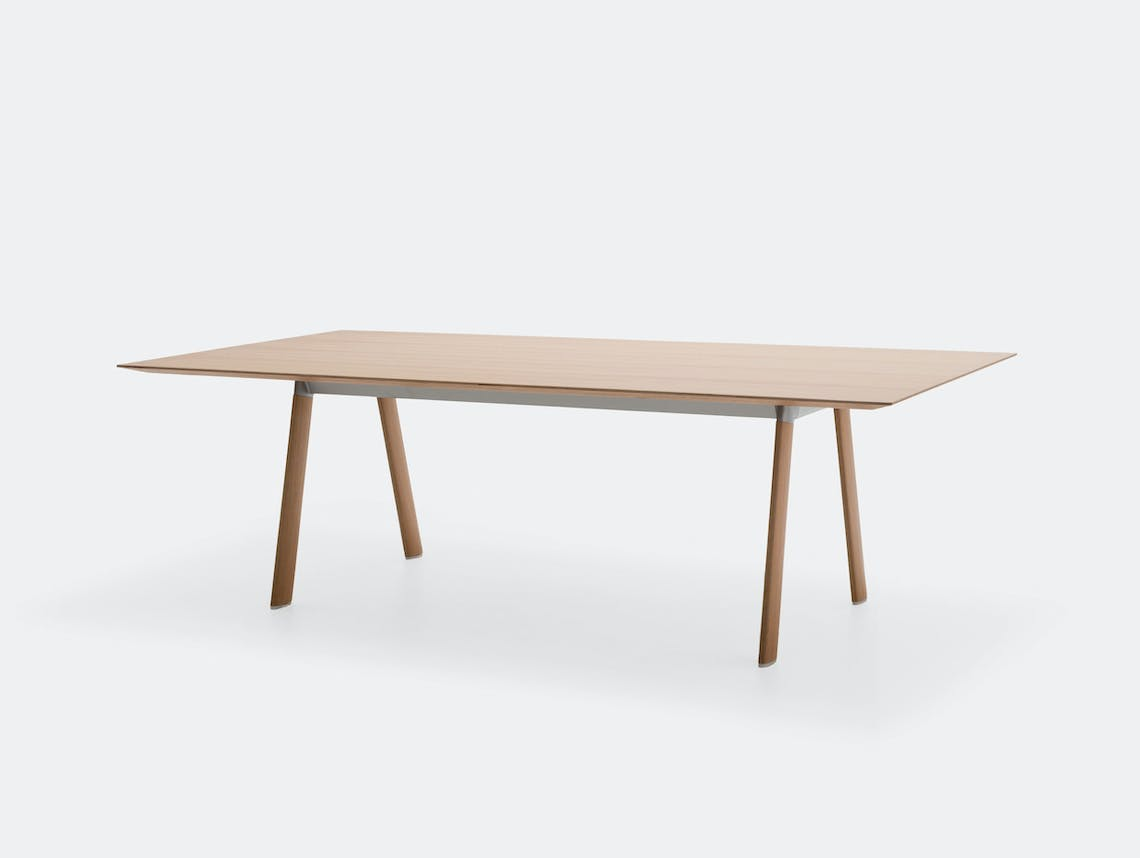 Andreu World Radial Table Oak