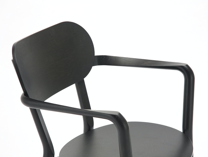 Karimoku Castor Armchair Plus Black Detail Big Game