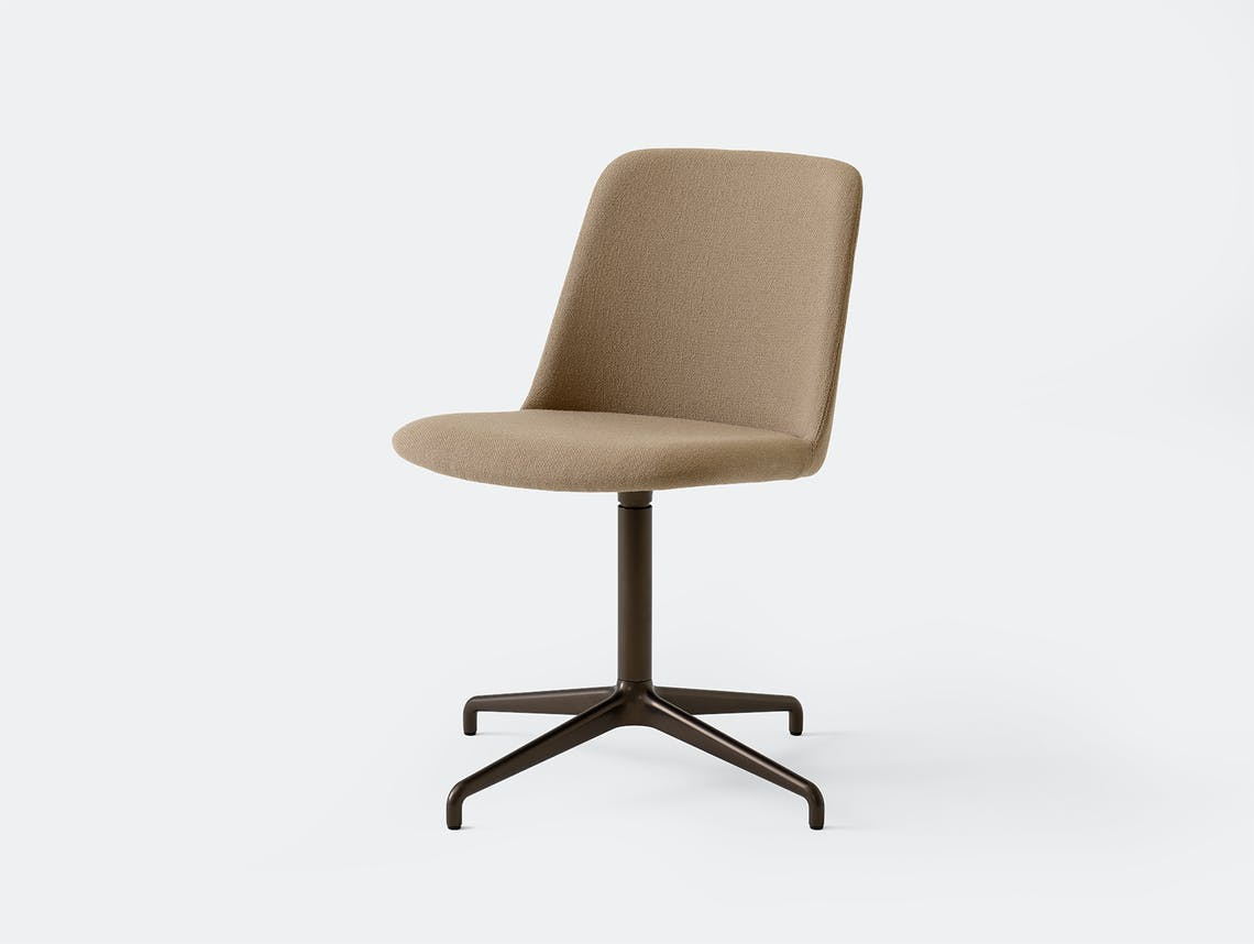 Andtradition rely chair HW13 hall224 brz
