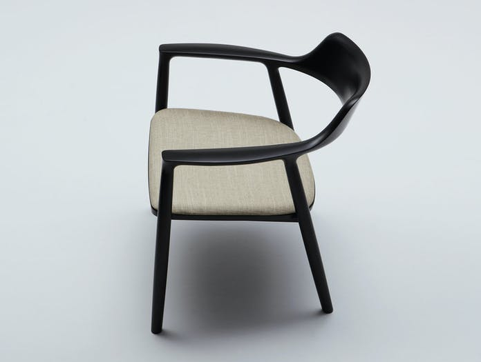 Maruni Hiroshima Lounge Chair Beech Black 2 Naoto Fukasawa