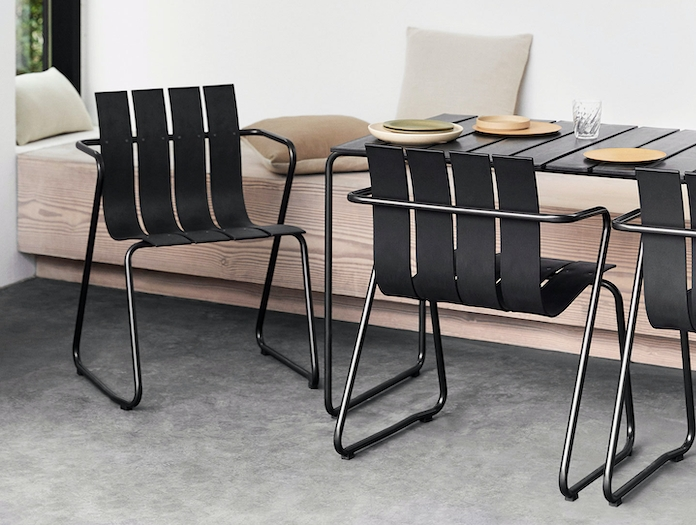 Mater Ocean Table And Chairs Nanna Ditzel
