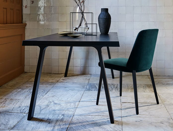 Montis Back Me Up Chair Doble Table