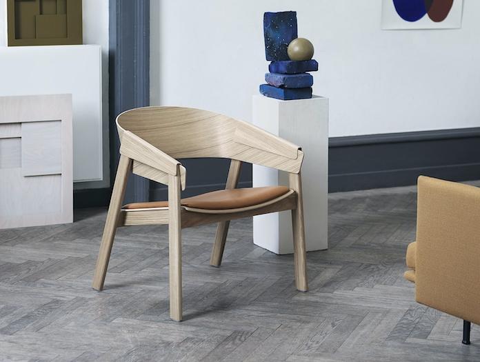 Muuto Cover Lounge Chair Upholstered Seat Oak Leather 2 Thomas Bentzen