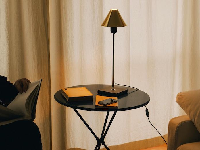 Santa And Cole Gira Table Lamp Reading Ferrer Massana Tremoleda