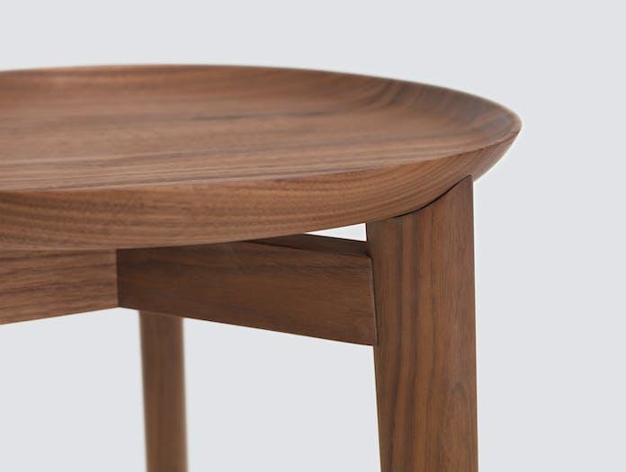 Zeitraum Plaisir Table Walnut Detail Formstelle