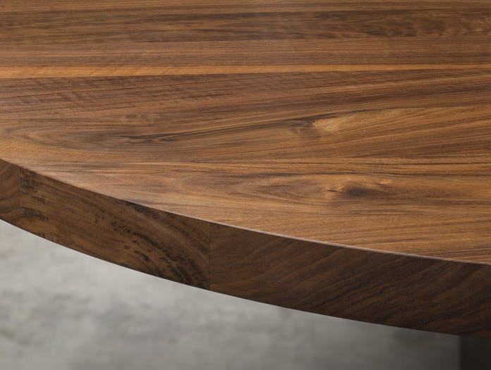 E15 Ashida Oval Table Walnut Side Detail