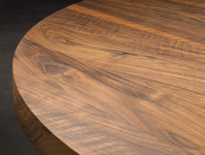 E15 Ashida Oval Table Walnut Top Detail