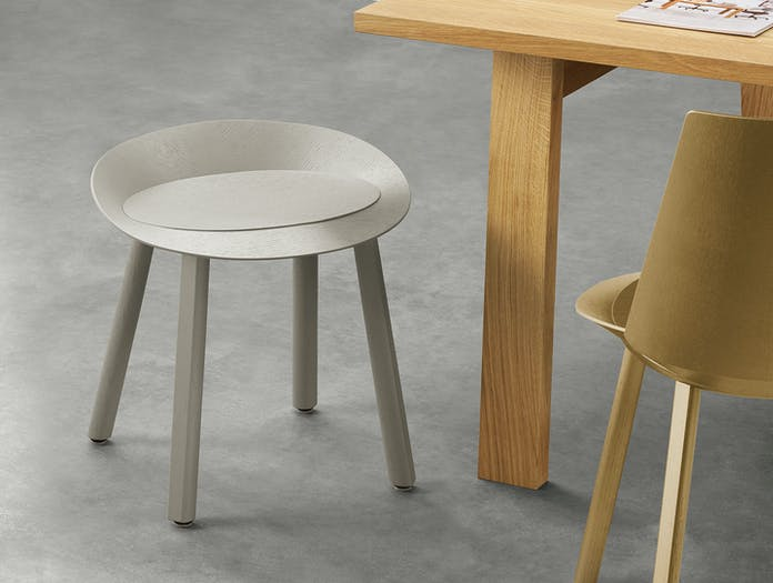 E15 Mr Collins Stool Stefan Diez