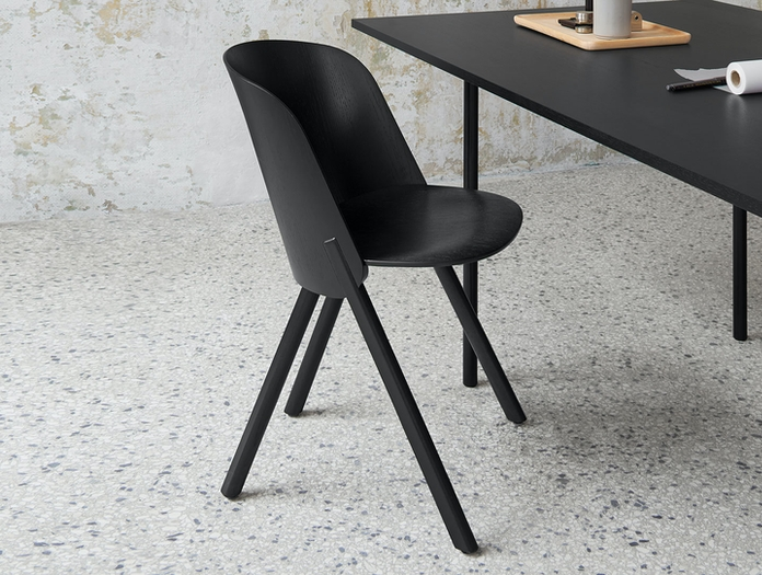 E15 This Chair Jet Black