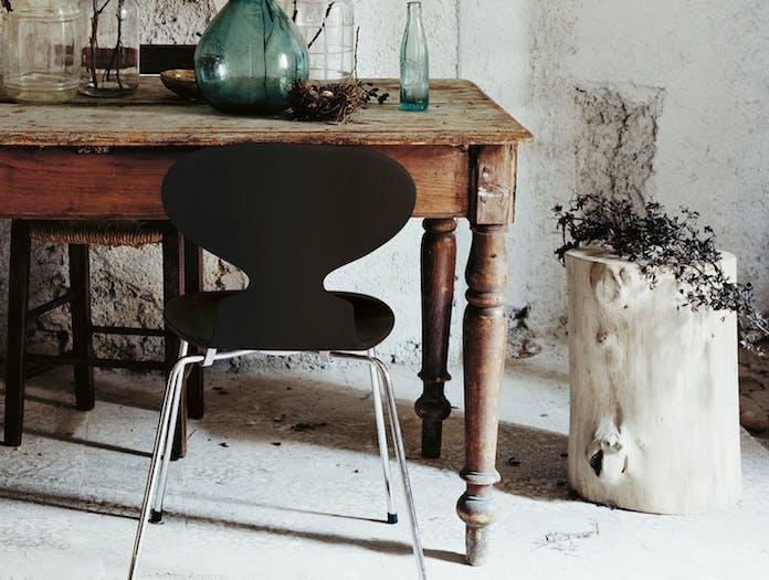 Fritz Hansen Ant Chair Black In Situ