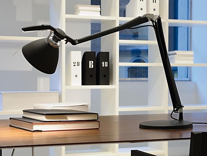 Luceplan Fortebraccio Table Lamp In Situ