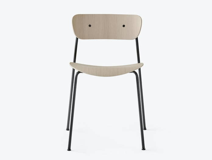 And Tradition Pavilion AV1 Chair oak front Anderssen Voll