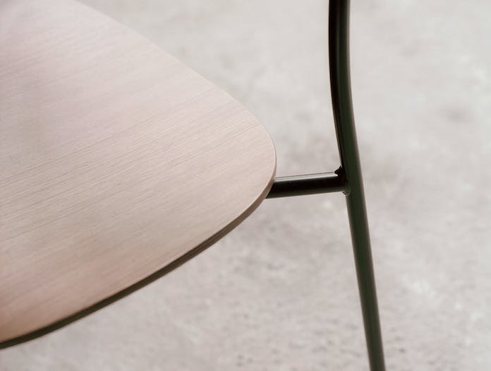And Tradition Pavilion AV1 Chair oak seat detail Anderssen Voll