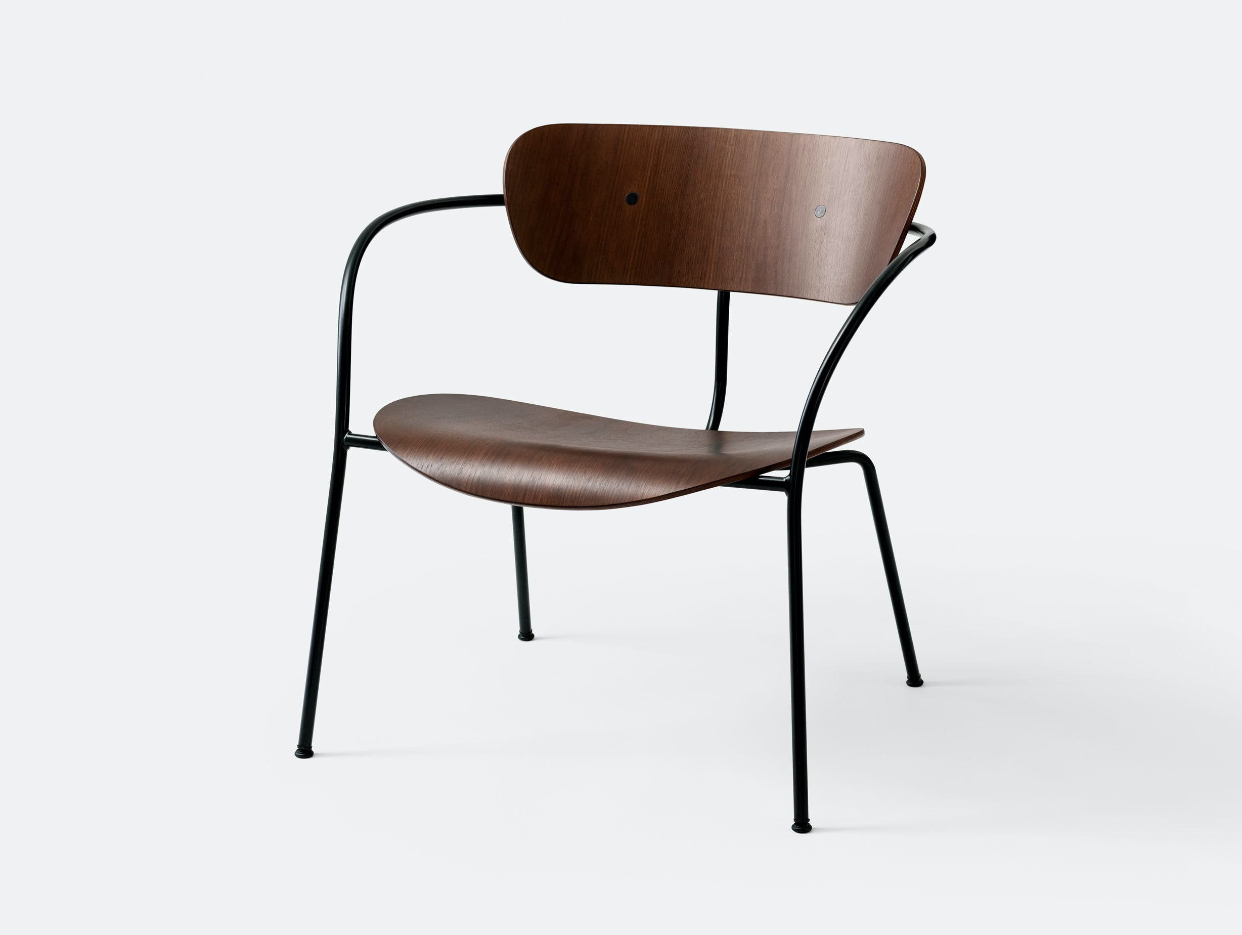 And Tradition Pavilion AV5 Lounge Chair walnut Anderssen Voll