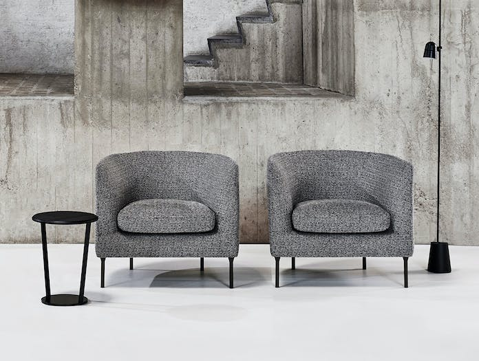 Bensen Around side table Delta Club armchairs