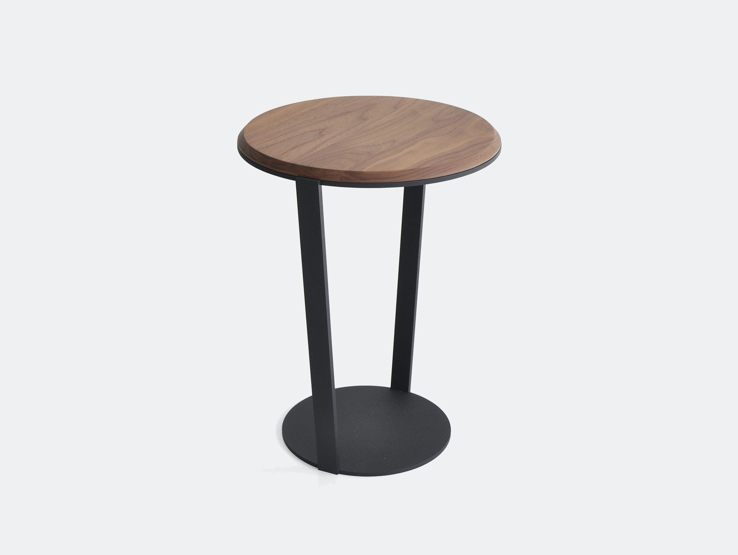 Bensen Around side table walnut