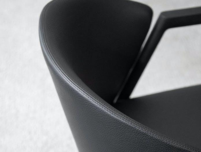 Bensen Pub Chair leather detail
