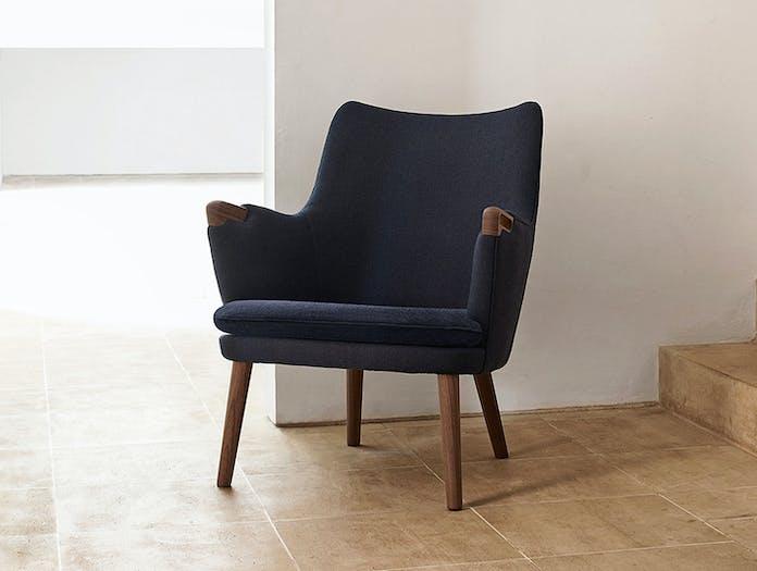 Carl Hansen Ch71 Lounge Chair Walnut Arm Hans Wegner