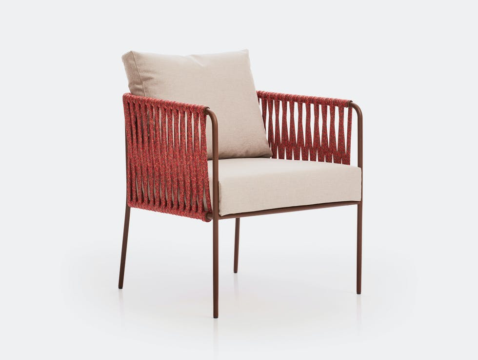 Nido Low Armchair image
