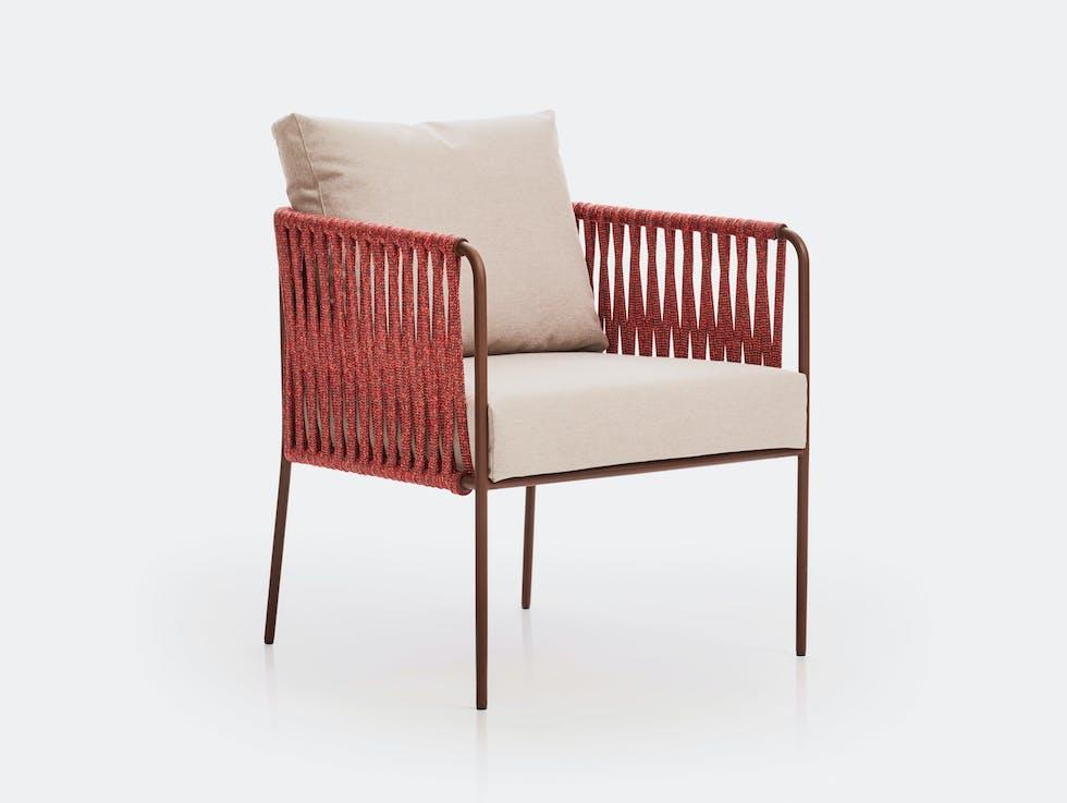 Nido Low Armchair image