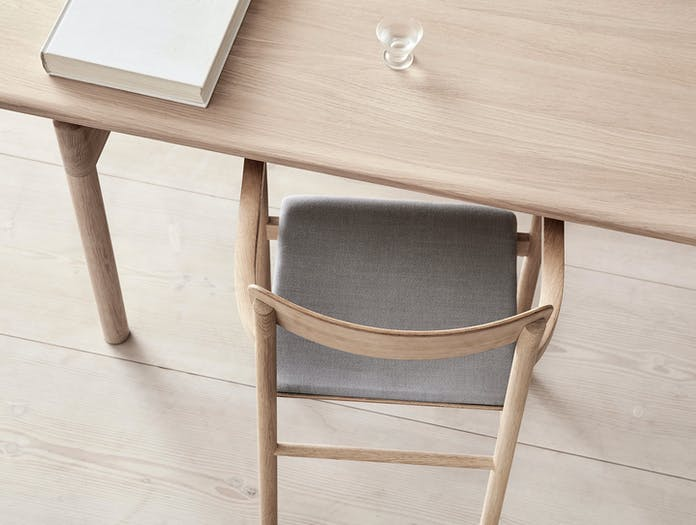 Fredericia Post Chair oak top detail 2 Cecilie Manz