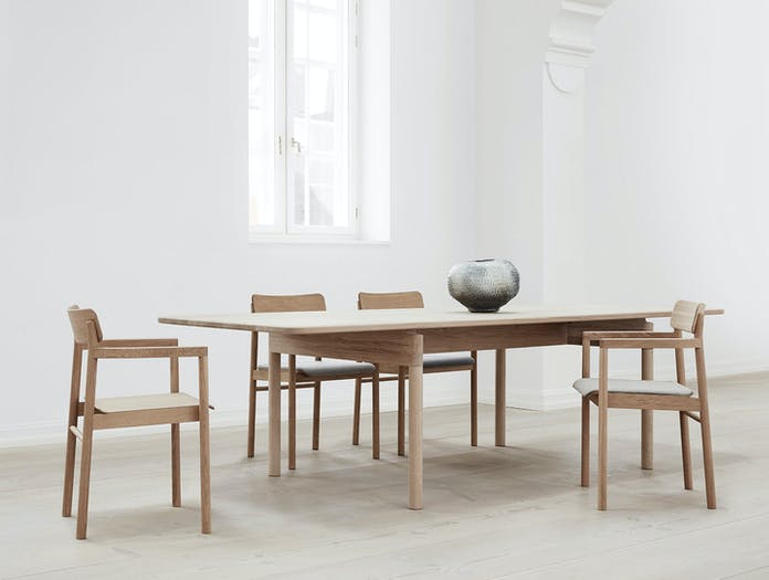 Fredericia Post Chairs and Table Cecilie Manz