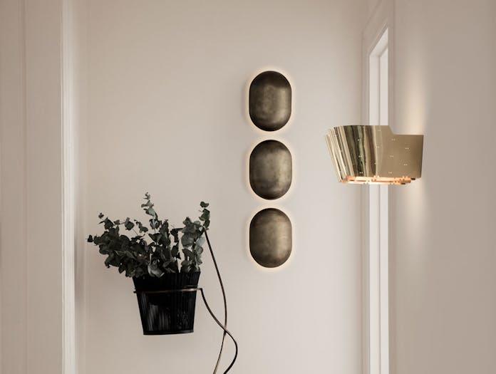 Gubi 9464 Wall Lamp brass 3 Paavo Tynell