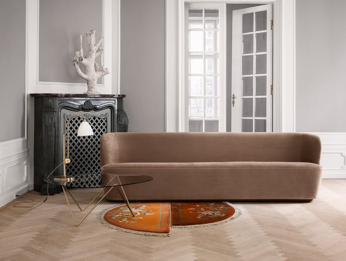 Gubi BL1 Table Lamp Pedrera Lounge Table Stay Sofa On 1