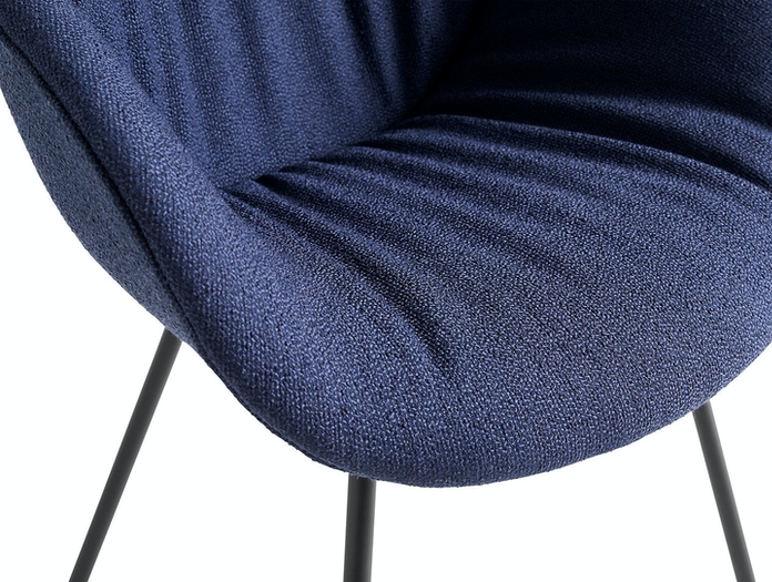 Hay AAC 127 Soft Chair Olavi by HAY 07 black base detail 01