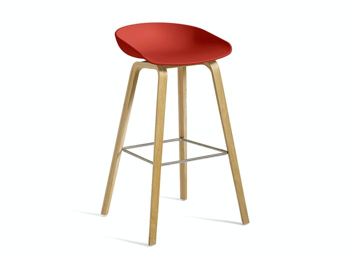 Hay AAS32 H75 Clear lacquer oak base Stainless steel footrest Warm red