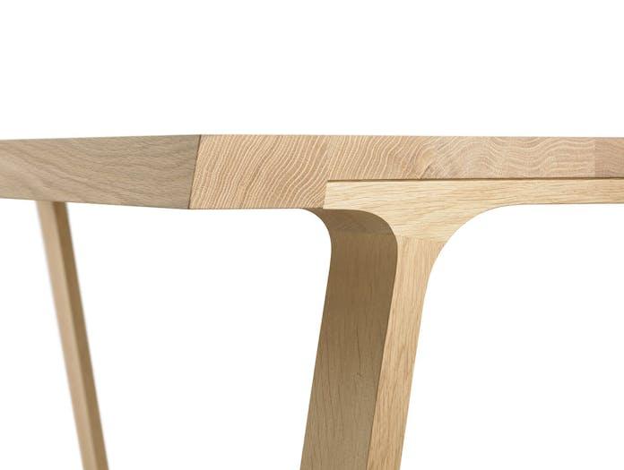Montis Doble High Table oak matt lacquered detail Gijs Papavoine