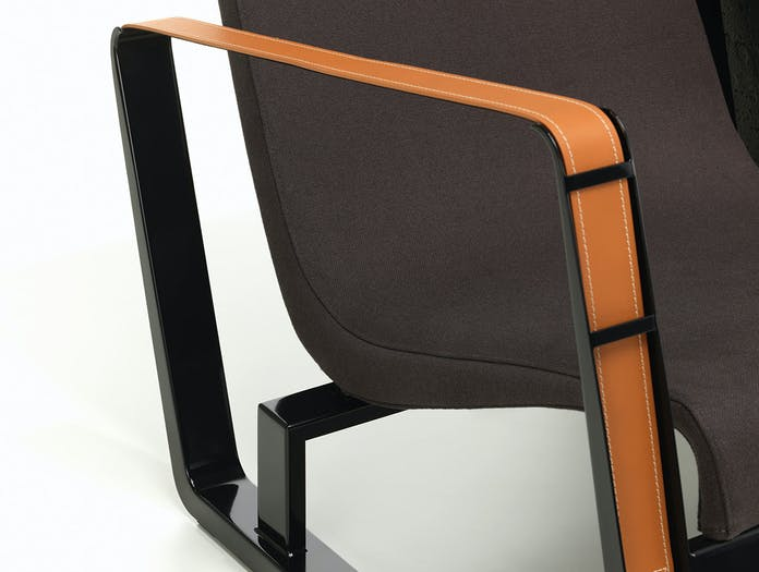Vitra Cite Lounge Chair detail front Black base Graphite fabric Prouve