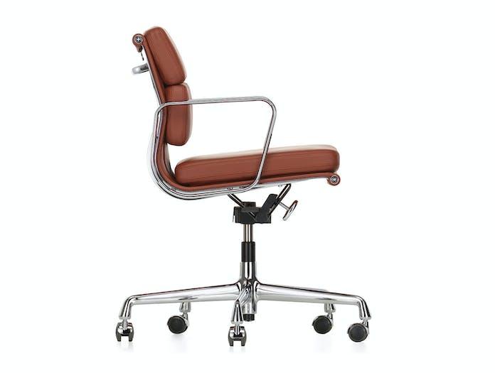 Vitra EA217 Soft Pad Group Chair polished alu brandy Eames side