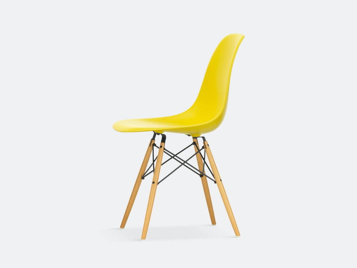 Vitra Eames DSW Plastic Side Chair sunlight golden maple legs