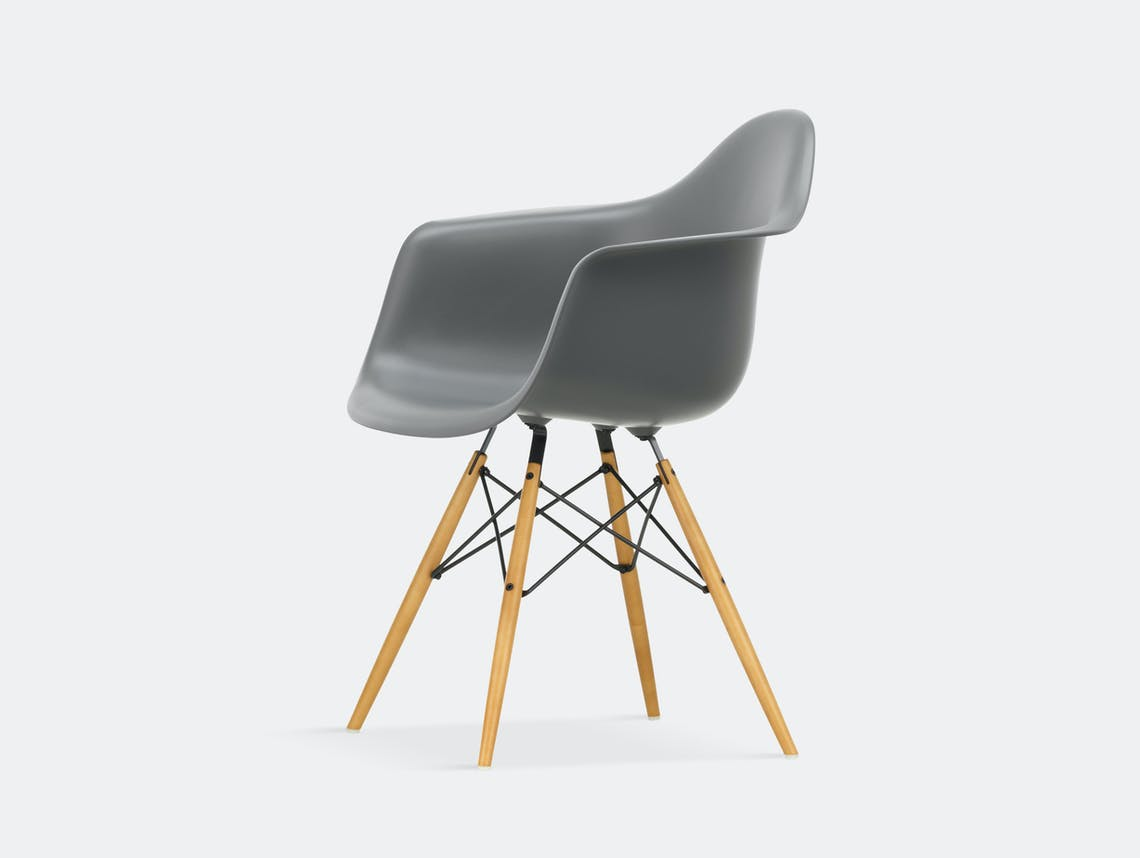 Vitra Eames Plastic Armchair DAW granite grey golden maple legs