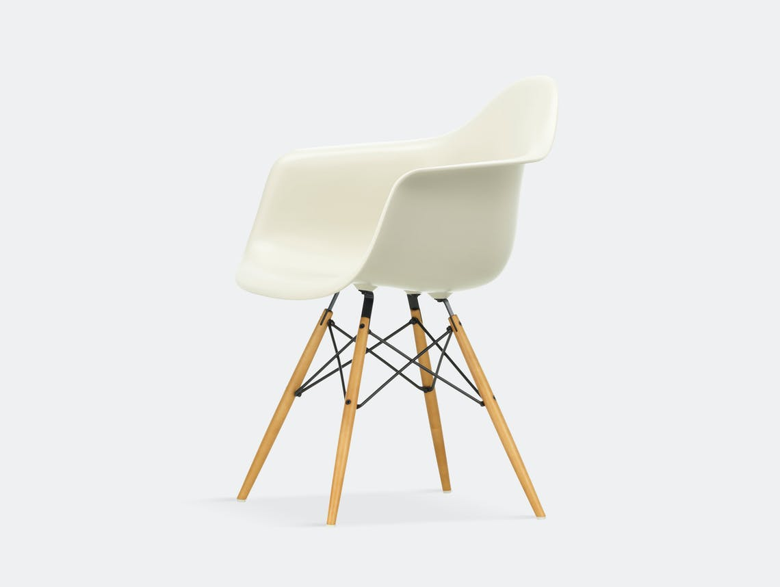 Vitra Eames Plastic Armchair DAW pebble golden maple legs