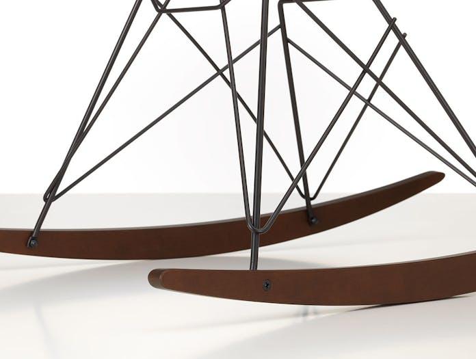 Vitra Eames Plastic Armchair RAR dark maple basic dark base detail