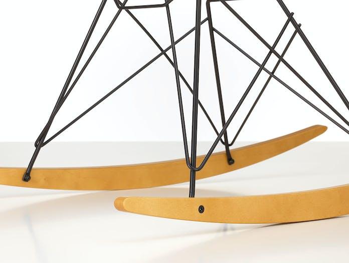 Vitra Eames Plastic Armchair RAR golden maple basic dark base detail