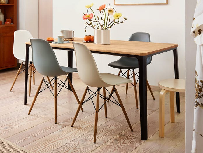 Vitra Eames Plastic Chair DSW Plate Dining Table Nuage