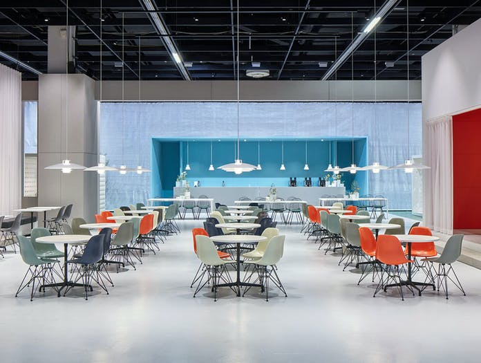 Vitra Eames Plastic Chairs DSR