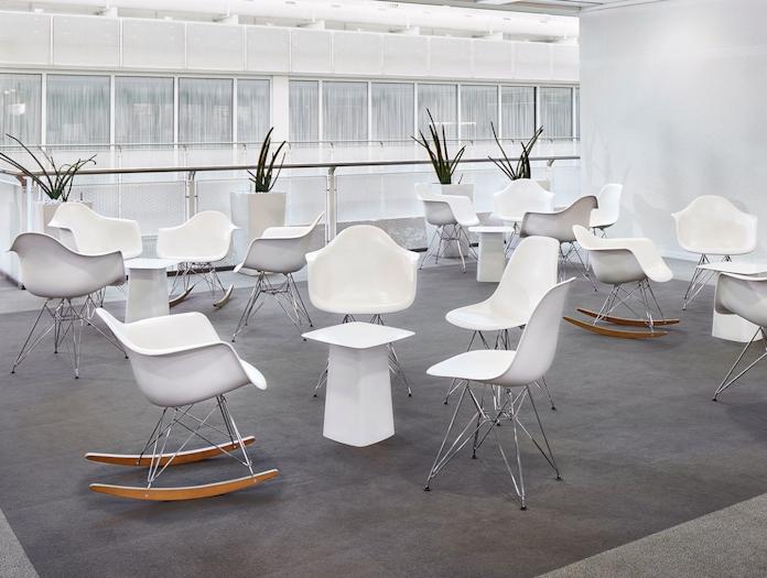 Vitra Eames Plastic Chairs white