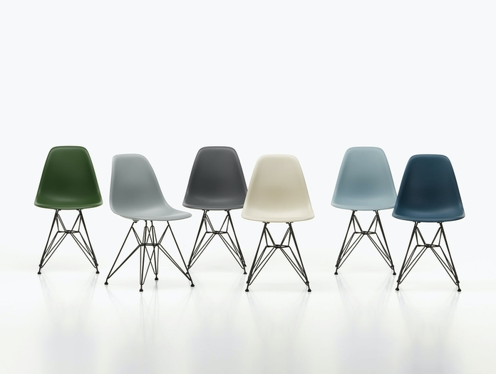 Vitra Eames Plastic Side Chair DSR Group 3