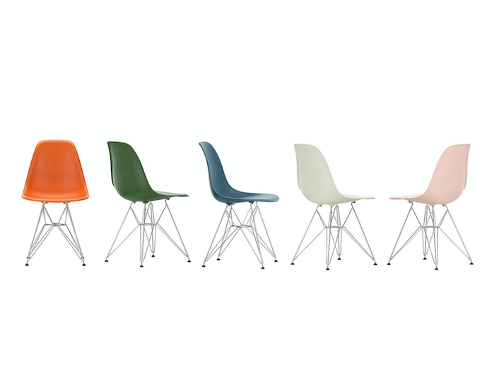 Vitra Eames Plastic Side Chair DSR Group 4