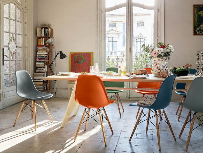 Vitra Eames Plastic Side Chair DSW EM Table