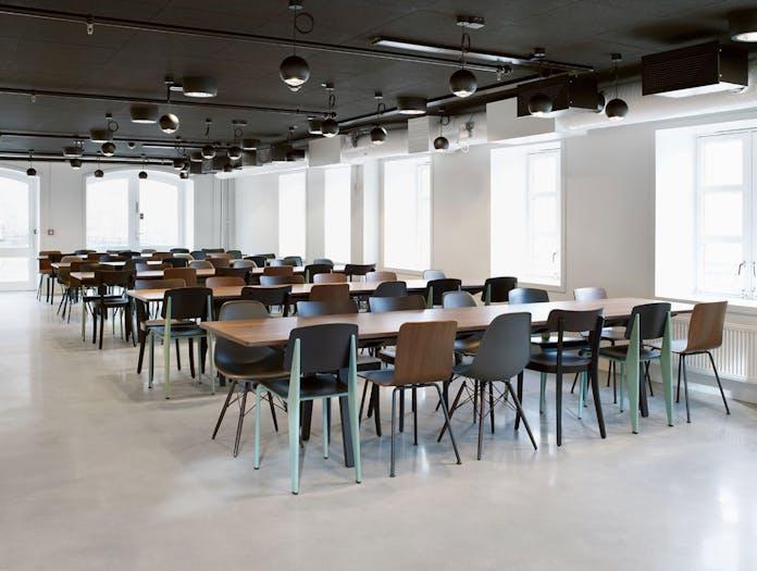 Vitra Eames Plastic Side Chairs Standard Basel