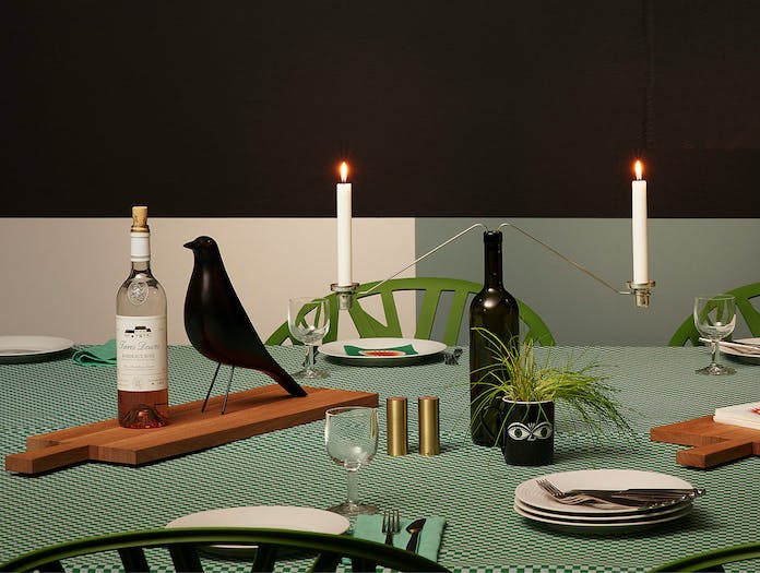 Vitra House Bird black table Charles Ray Eames