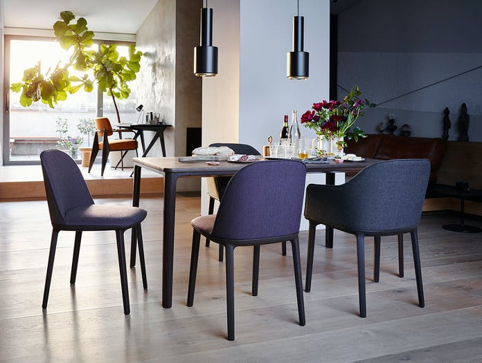 Vitra Plate Dining Table Softshell Chairs Nuage