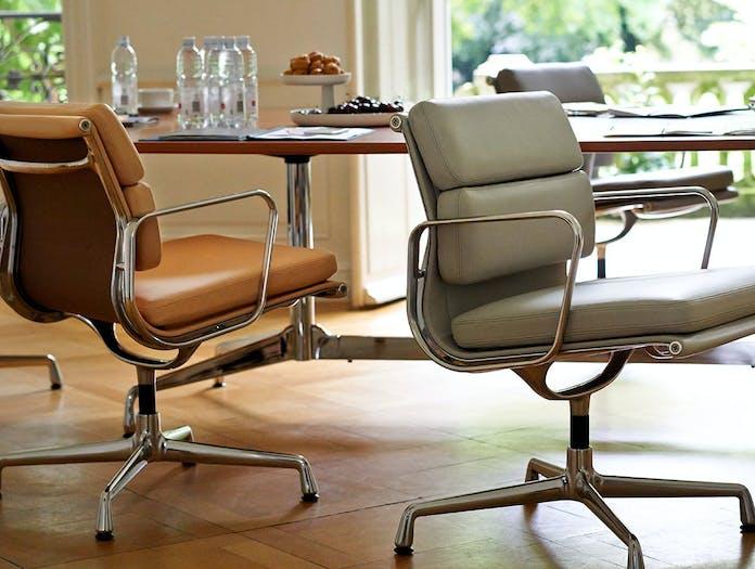 Vitra Soft Pad Chair 208 Cashew Zement