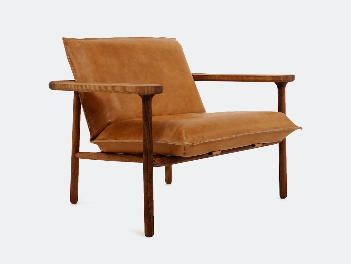 Zanat Igman Lounge Chair Walnut Oil Harri Koskinen